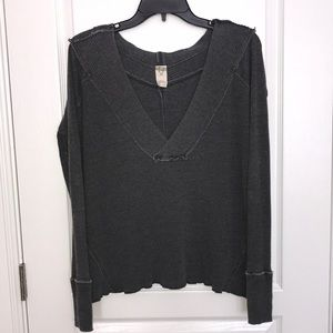 We The Free women's gray ribbed v-neck top size xs